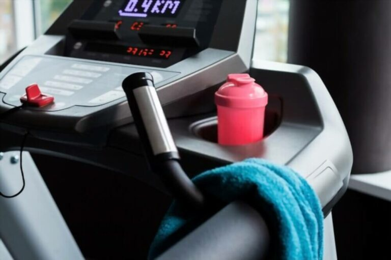 How do treadmills measure Heart Rate
